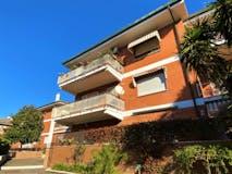 Two-bedroom Apartment of 97m² in Via Amantea
