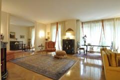 Three-bedroom Apartment of 190m² in Via Gaio 4