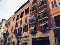 Attic of 100m² in Via dei Condotti