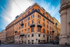 Four-bedroom Apartment of 326m² in Via Torino