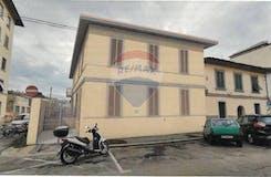 Two-bedroom Apartment of 80m² in Via Antonio Locatelli