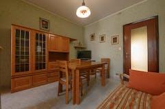 Two-bedroom Apartment of 75m² in Via Brandizzo 51