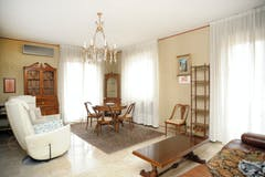 Three-bedroom Apartment of 130m² in Via Val d'Ossola 10