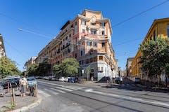 Two-bedroom Apartment of 105m² in Via Bixio 91