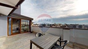 Two-bedroom Apartment of 100m² in Via Cavezzali 11