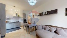 Two-bedroom Apartment of 85m² in Via Breglio 29