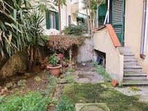 Two-bedroom Apartment of 75m² in Via Atto Vannucci 16