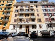 Four-bedroom Apartment of 145m² in Via Cutilia