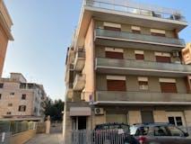 Quadrilocale di 120m² in Via Stefano Borgia