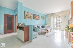 Three-bedroom Apartment of 113m² in Corso Grosseto 300