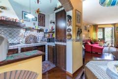 Three-bedroom Apartment of 100m² in Via Felice Cascione 10