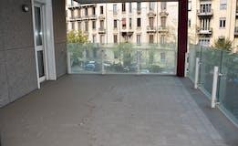 Two-bedroom Apartment of 122m² in Viale Emilio Caldara