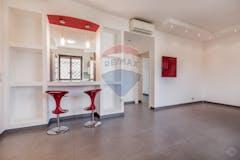 Three-bedroom Apartment of 105m² in Via Castelvetrano 50