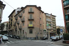 Two-bedroom Apartment of 75m² in Via Medail 23