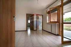 Two-bedroom Apartment of 85m² in Via Giuseppe Beduschi 71