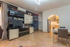 Two-bedroom Apartment of 80m² in Via Aci Castello