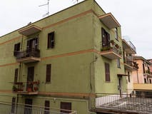 Two-bedroom Apartment of 68m² in Via Di Salone