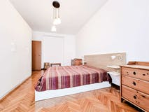 Two-bedroom Apartment of 79m² in via Viotti 13