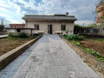 Two-bedroom Apartment of 100m² in Via Calatabiano