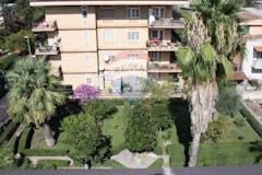 Two-bedroom Apartment of 110m² in Via Giulio Bonasoni 45