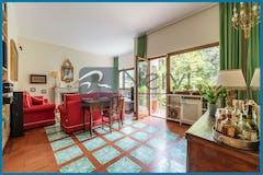Three-bedroom Apartment of 158m² in Via Cassia