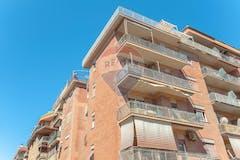 Three-bedroom Apartment of 137m² in Via Guido Vincon 52