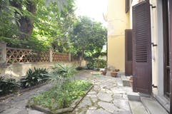 Two-bedroom Apartment of 190m² in Piazza Fra' Girolamo Savonarola 1