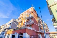 Two-bedroom Apartment of 80m² in Via Alessandro Avoli 9