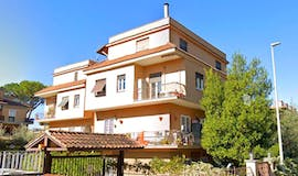 Four-bedroom Apartment of 100m² in Via Taurianova