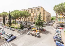One-bedroom Apartment of 94m² in Viale Val Padana  44
