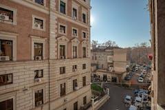 Three-bedroom Apartment of 130m² in Via Del Conservatorio
