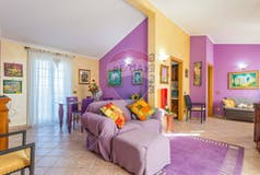 Two-bedroom Apartment of 75m² in Via Angelo Barbagelata