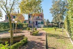 Casa indipendente di 190m² in Via Antifonte Di Ramnunte 190