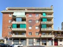Two-bedroom Apartment of 65m² in Via Brandizzo 51