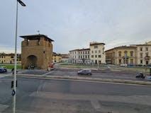 Two-bedroom Apartment of 135m² in Piazzale della Porta al Prato 3