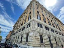Two-bedroom Apartment of 120m² in Lungotevere Dei Mellini