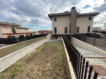 Three-bedroom Villa of 130m² in Via Monte Del Marmo