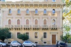 Four-bedroom Apartment of 160m² in Via Giovanni Paisiello
