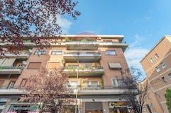 Three-bedroom Apartment of 160m² in Via Edoardo Jenner