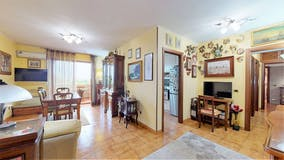 Two-bedroom Apartment of 90m² in Via Federico Turano