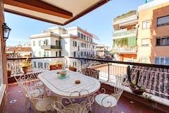 Four-bedroom Apartment of 220m² in Piazza Monteleone Di Spoleto 36