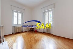 Two-bedroom Apartment of 85m² in Va Lomellina 46