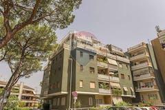 Two-bedroom Apartment of 100m² in Via Alberto Litta Modignani