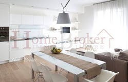 Two-bedroom Apartment of 78m² in Via Papini 21