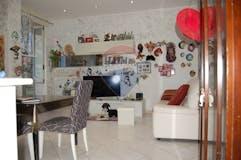 Two-bedroom Apartment of 80m² in Via Raimondo Montecuccoli