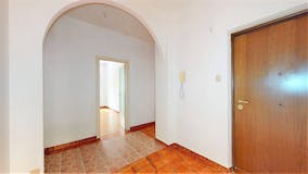 Two-bedroom Apartment of 105m² in Viale Telese