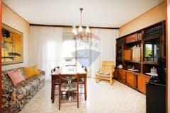 Two-bedroom Apartment of 120m² in Via San Vigilio 33