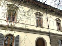 Two-bedroom Apartment of 114m² in Viale Gramsci 83
