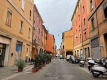 Three-bedroom Apartment of 105m² in Via Irnerio AD.ZE via del Borgo di San Pietro