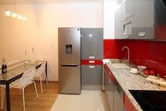 Two-bedroom Apartment of 75m² in Via Taddeo Alderotti 1n